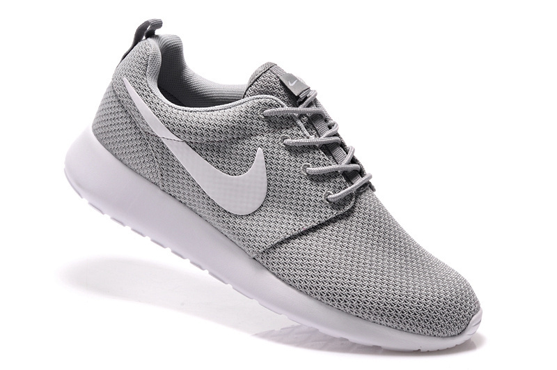 nike femmes chaussures gris