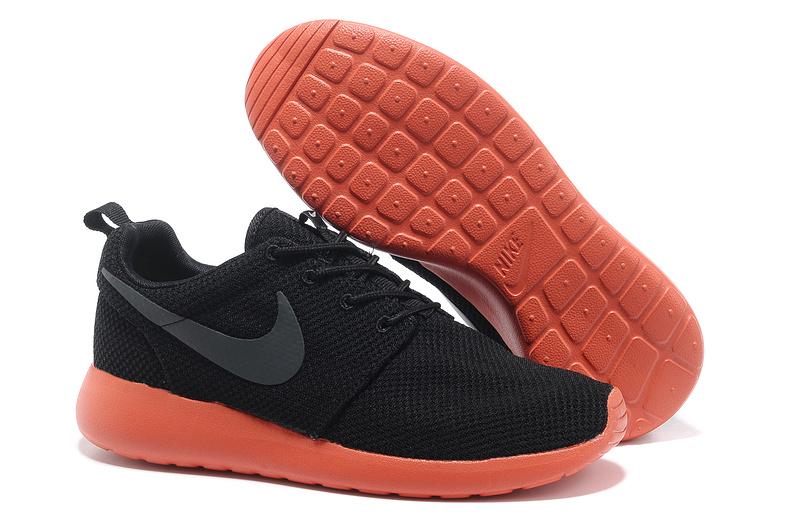 Nike Roshe Run Noir Et Rose Pas Cher